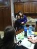 Roberta prepara un aperitivo e invita gli amici del club a casa-2